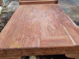 Li văng giường gỗ hương tím