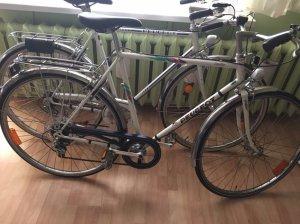 Cân bán 01 cặp xe đạp nam cổ Peugeot 1979, nguyên zin, còn khá mới, xem giao tại HN