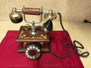 CẦN BÁN- Điện thoại quay số...