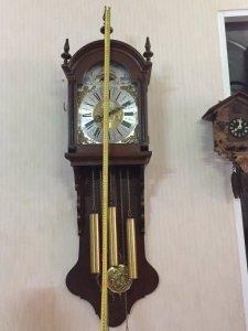 Đồng hồ treo tường 3 tạ xích.