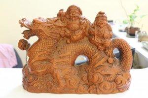 Tượng gốm thần may mắn cưỡi rồng, kích thước 25*35cm, W50-0004
