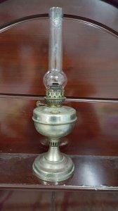 Đèn dầu Pháp xưa chất liệu đồng thau nước gam còn đẹp, cao 48cm ống khói zin, zalo: 01226218163