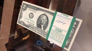 Bán Nguyên 1 tép 2$ năm 1976 100 tờ chất lượng unc, zalo: 01226218163 Tiệm Hoàng Thiên Đà Nẵng