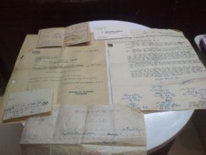 Một số giấy tờ xưa