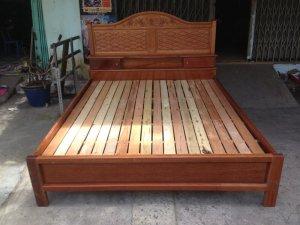 Giường gỗ căm xe gõ