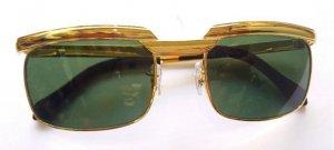 Xả hàng mấy món kính mạ vàng...