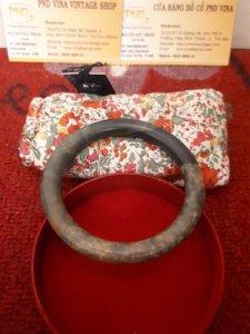 Vòng đeo tay ngọc bích cổ xưa...
