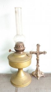 Đèn dầu cổ xưa quý hiếm mang...