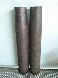 Vỏ đạn bằng đồng cao gần 40cm...