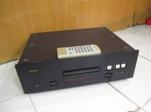 CD TEAC 7