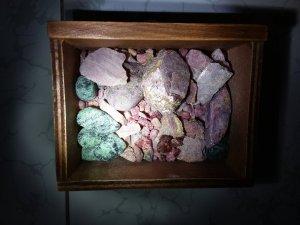 Lô ruby sapphire thô chất lượng cao quý hiếm, và nhẫn sau khi cắt facet