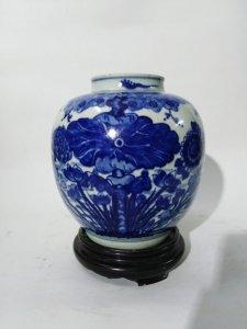 Lọ sen vịt Ming thế kỷ 17.