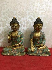 Tượng Phật thích ca rất đẹp và sắc nét, thần thái và có hồn...Mời các Bác hữu duyên! Chất liệu: Đồng