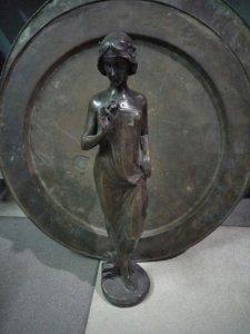Tượng cô gái bằng đồng mang phong cách châu âu quý hiếm cao khoảng 40cm Phone : 0938 179
