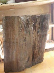 Khúc gỗ sưa đỏ quý hiếm nặng gần 80kg