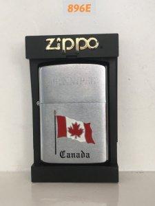 896E-Zippo mỹ sx tại CANADA 1989 Chủ đề :Quốc kỳ CANADA