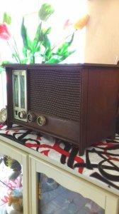Radio bóng đèn bằng gỗ sồ SX...