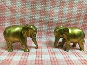 Cặp tượng voi đồng đúc đã đánh...
