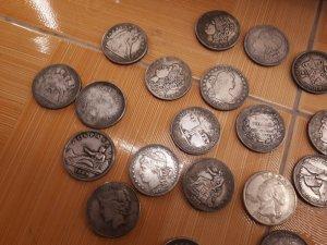 Tiền xu bạc khối cổ các nước