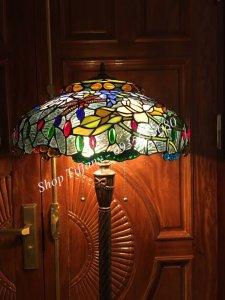Đèn Sàn Tiffany Họa Tiết Hoa Sen Chuồn