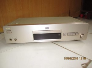 CD SONY XB9