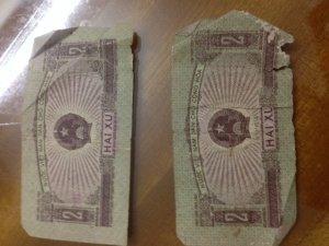 Cần bán tiền giấy 2 xu như hình