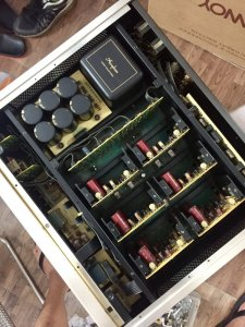 Accuphase Pre 200 L
