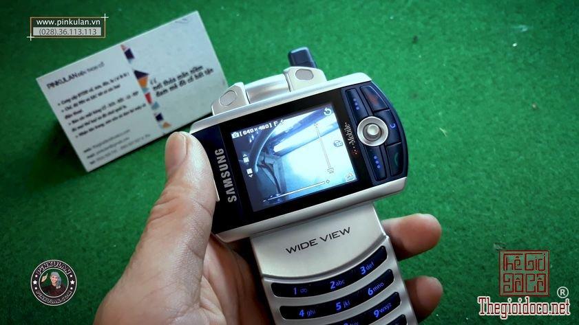 Samsung-Z130-nguyen-zin-chinh-hang-gia-re (3).jpg