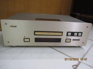 CD TEAC 10
