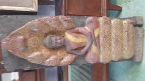 Tượng gỗ thích ca 7 đầu rắn