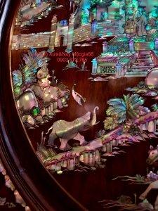 Siêu phẩm tủ thờ được đóng bằng gỗ cẩm lai Việt siêu vân (3).jpg
