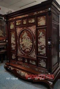 Siêu phẩm tủ thờ được đóng bằng gỗ cẩm lai Việt siêu vân (5).jpg