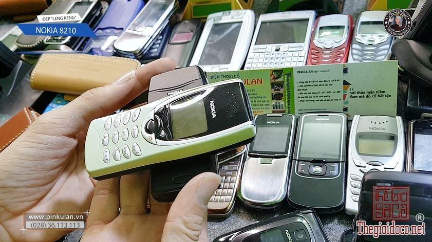 Nokia 8210 màu vàng cực đẹp và hiếm
