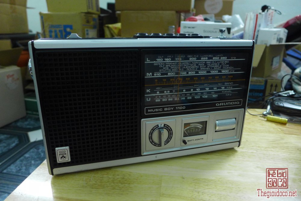 HCM - Q10 - Bán radio Grundig Music Boy 1100
