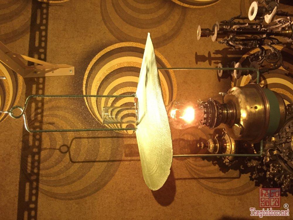 Giao lưu đèn Pháp xưa