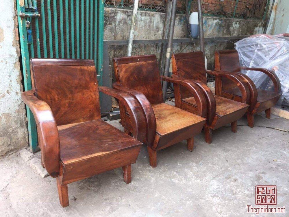 Bộ ghế kèm bàn salo thùng gỗ dùng ở Miền Nam trước 75 zalo: 0776218163