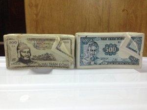 Gạt tàn thuốc ngân hàng xưa