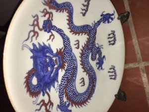 Bán đĩa vẽ rồng màu huyết dụ...