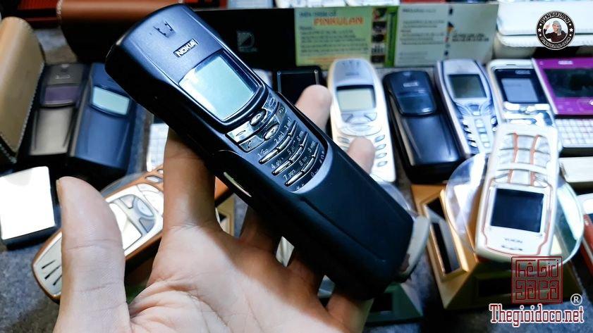 Nokia-8910-mau-den-nguyen-ban (2).jpg