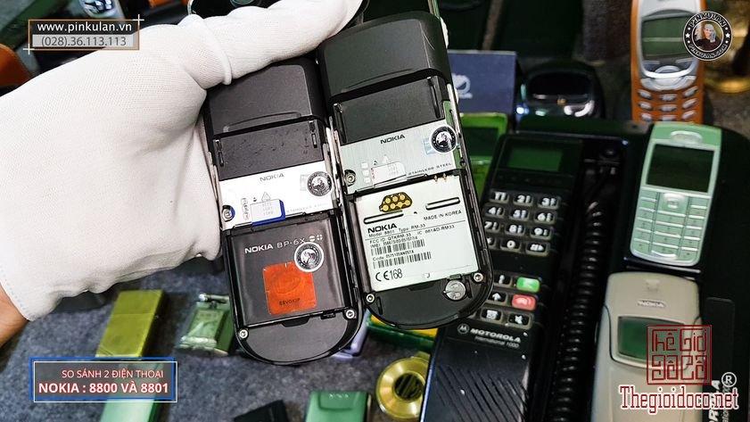 Phan-biet-Nokia-8800-va-Nokia-8801-bang-mat (7).jpg