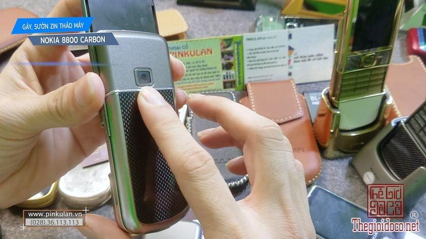 Thay-gay-suon-Nokia-8800-Carbon (5).jpg