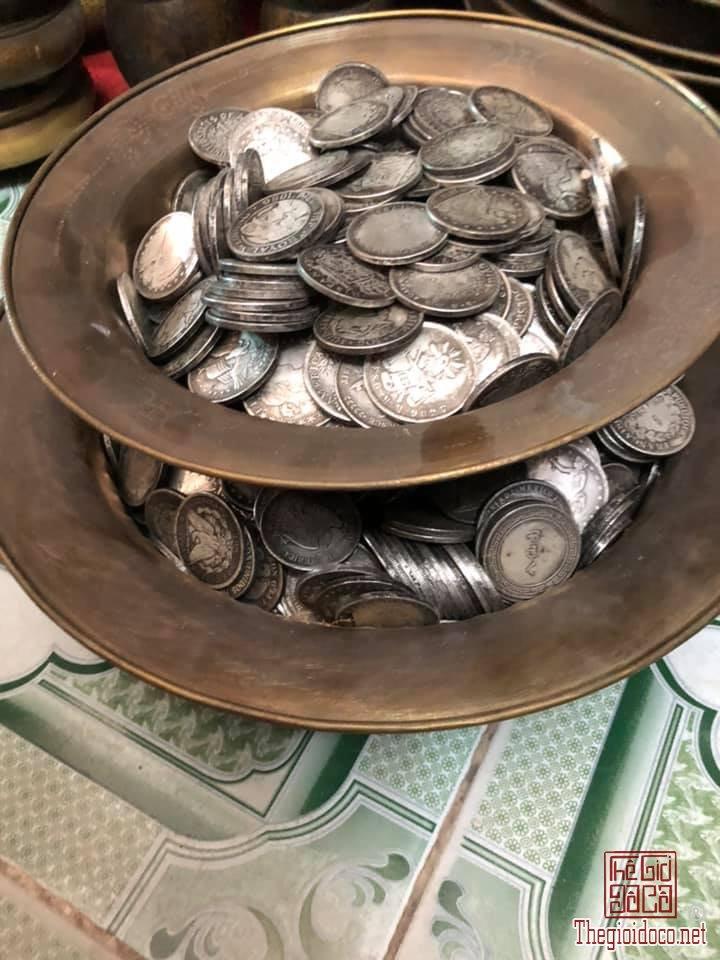 Về được ít đồng xu đồng tráng bạc...Hàng ngon bổ rẻ cho Ace kinh doanh và sưu tầm! (Các Bác lưu ý e