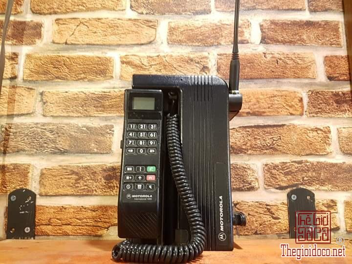 Bán điện thoại Motorola International 1000.
