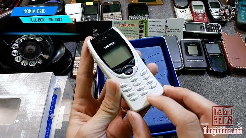 Nokia-8210-fullbox-zin-nguyen-ban (3).jpg