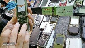 Thay-vo-Nokia-8800-carbon-chinh-hang (4).jpg