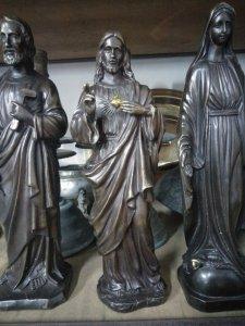 Tượng Chúa Jesus độc lạ quý...