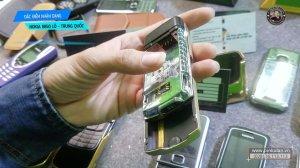 Dac-diem-nhan-dang-Nokia-8850-lo-hang-Trung-Quoc (5).jpg