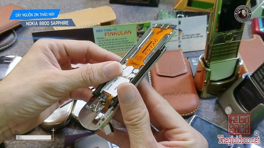 Day-nguon-Nokia-8800-Sapphire-zin-thao-may (3).jpg