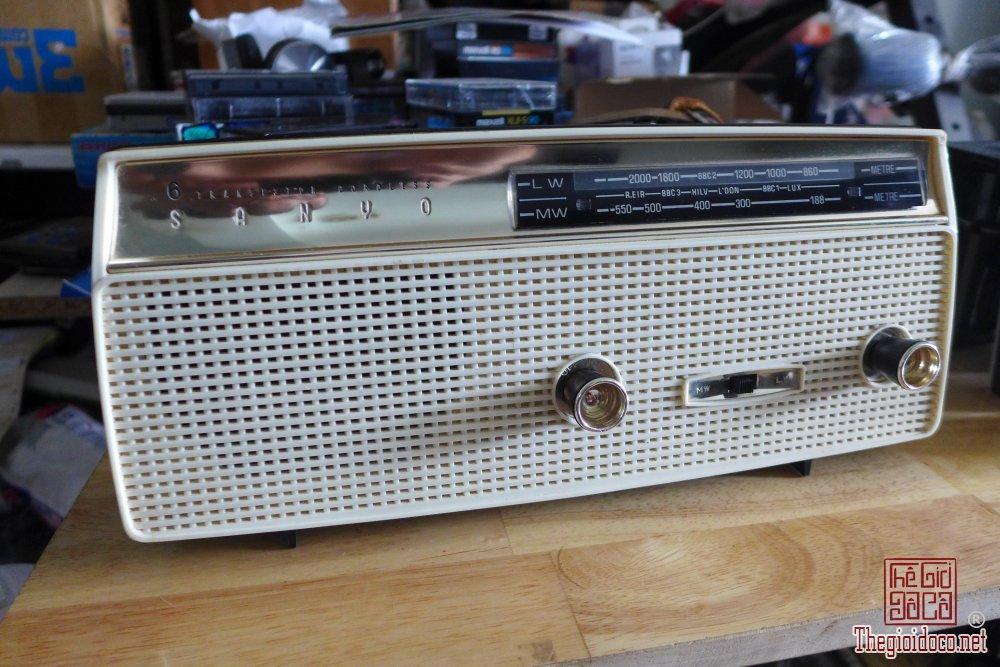 HCM - Q10 - Bán radio Sanyo 6L-08, AM