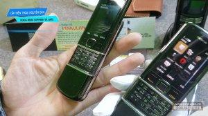 Nokia-8800-Saphire-va-Nokia-8800-Arte (4).jpg